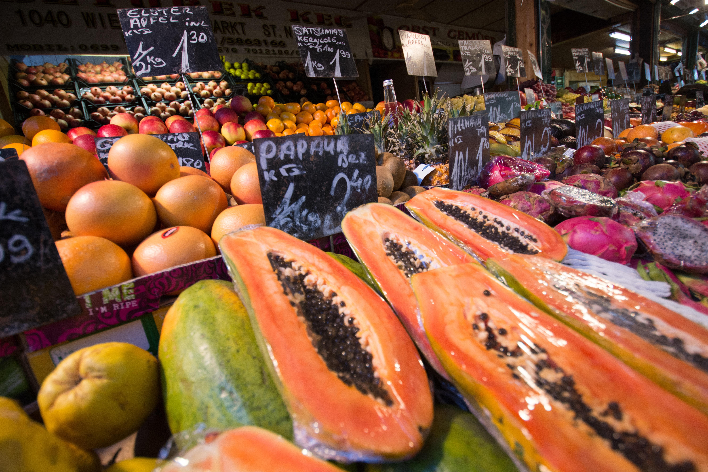 Papayas at an outdoor market.